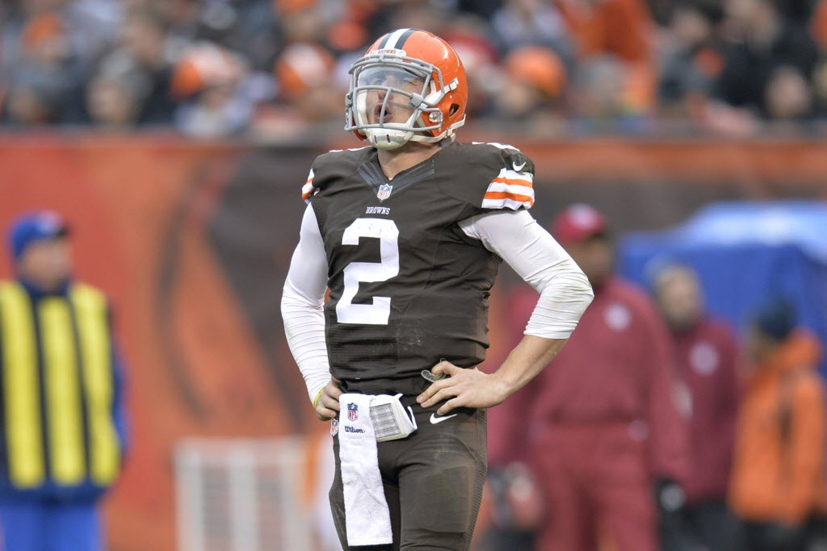 1454814644-browns-manziel-ticketed-football