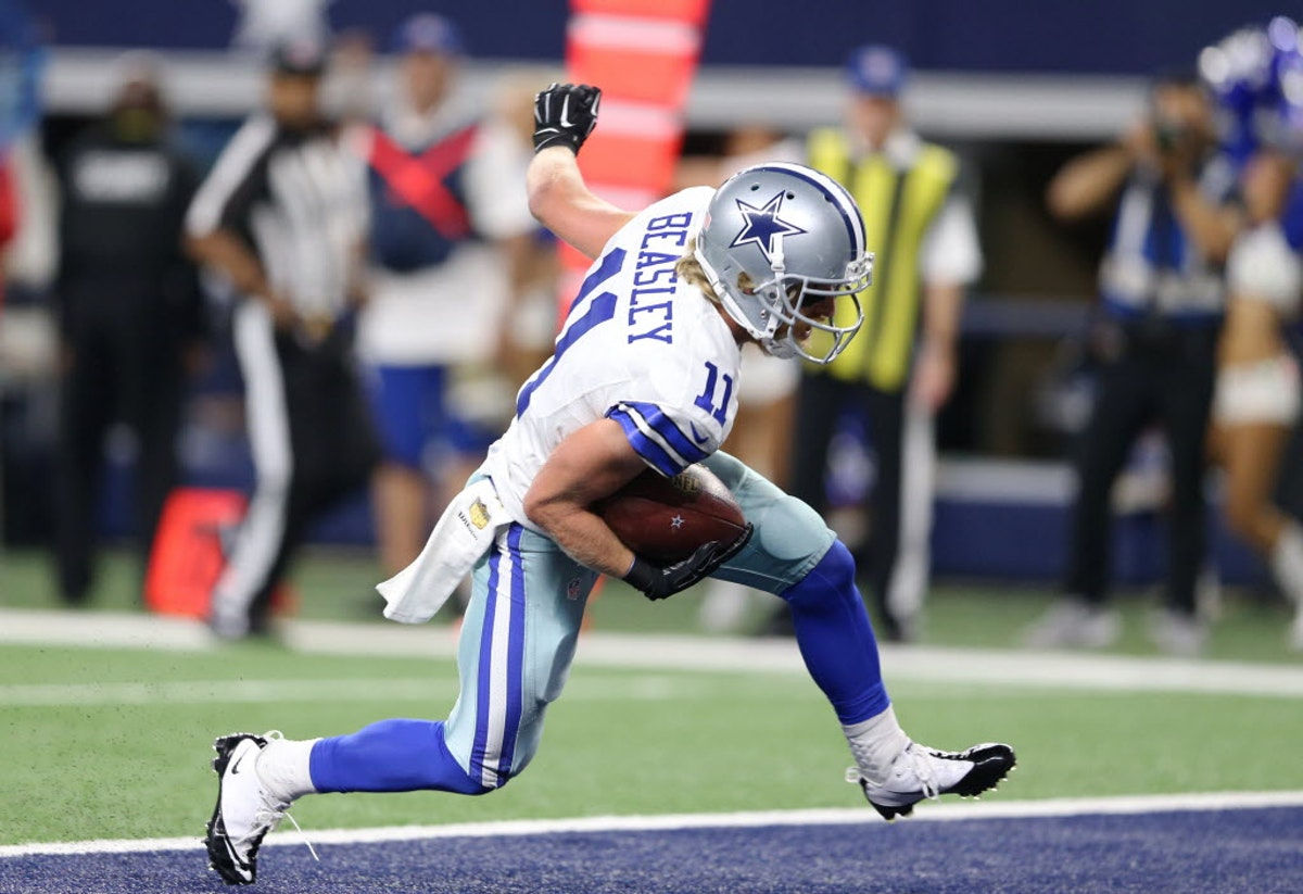 Dallas Cowboys: Official NFL Shop confuses Cole Beasley with NBA player