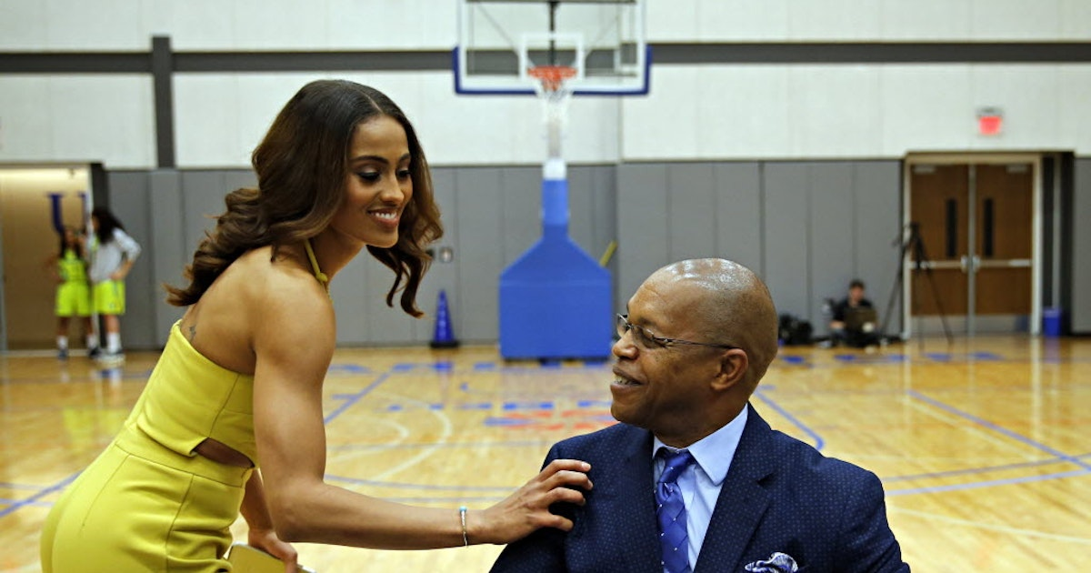 Other Sports: GM survey names Wings guard Skylar Diggins, coach Fred Williams among best in WNBA | SportsDay