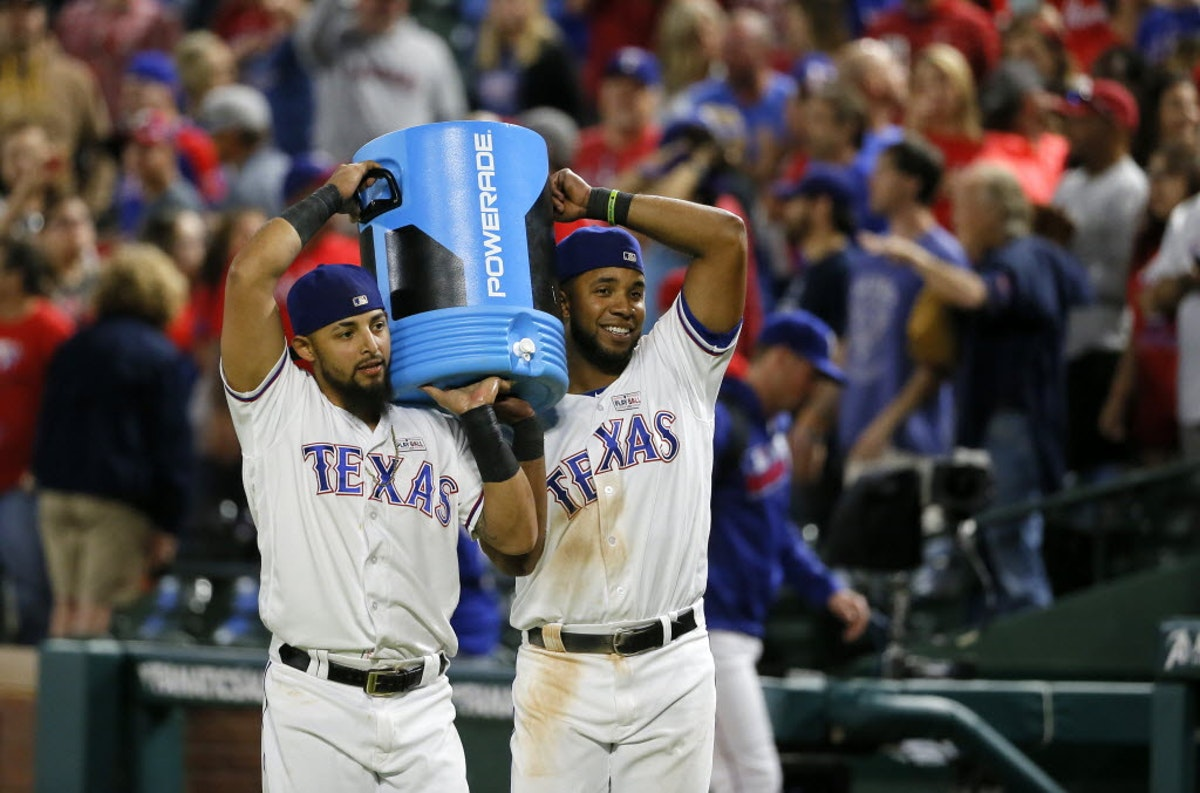 1464146947-blue-jays-rangers-baseball