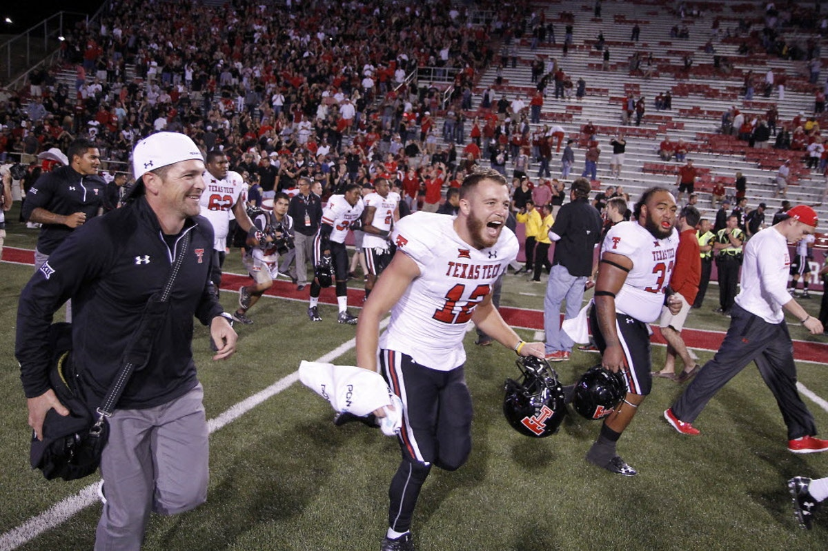 1464290256-texas-tech-arkansas-football