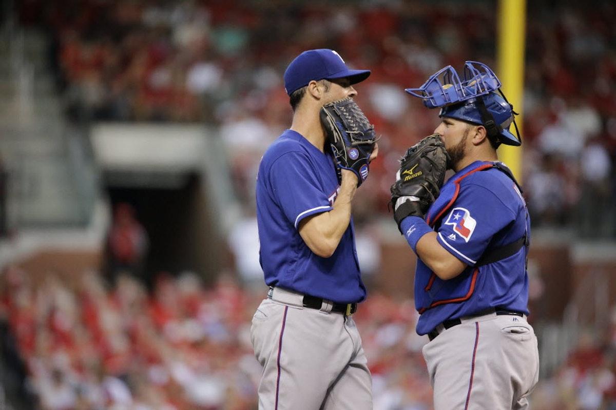 1466216300-rangers-cardinals-baseball