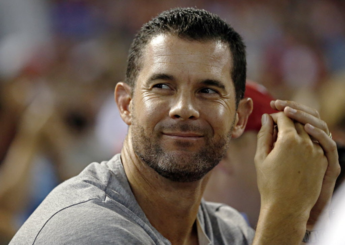 Texas Rangers: Michael Young issues challenge to Rangers fans before ALDS