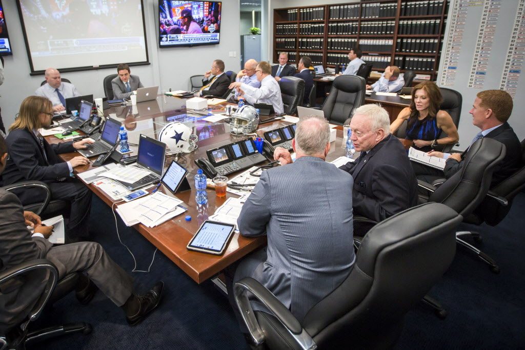 Dallas Cowboys Inside The War Room Make First Round Selection From Valley Ranch