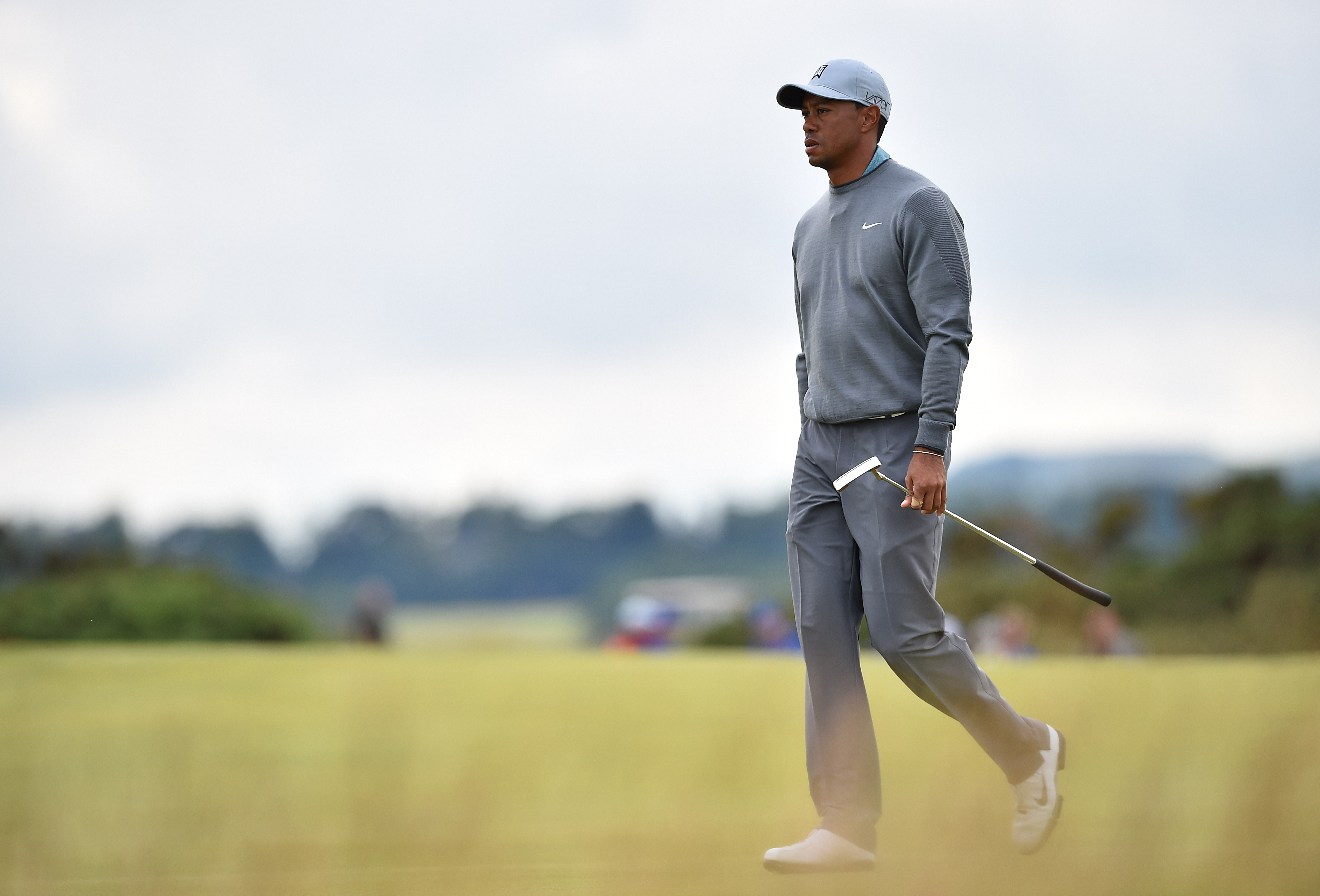Other Sports: Photos: Dallas\' Jordan Spieth rolls over with ...