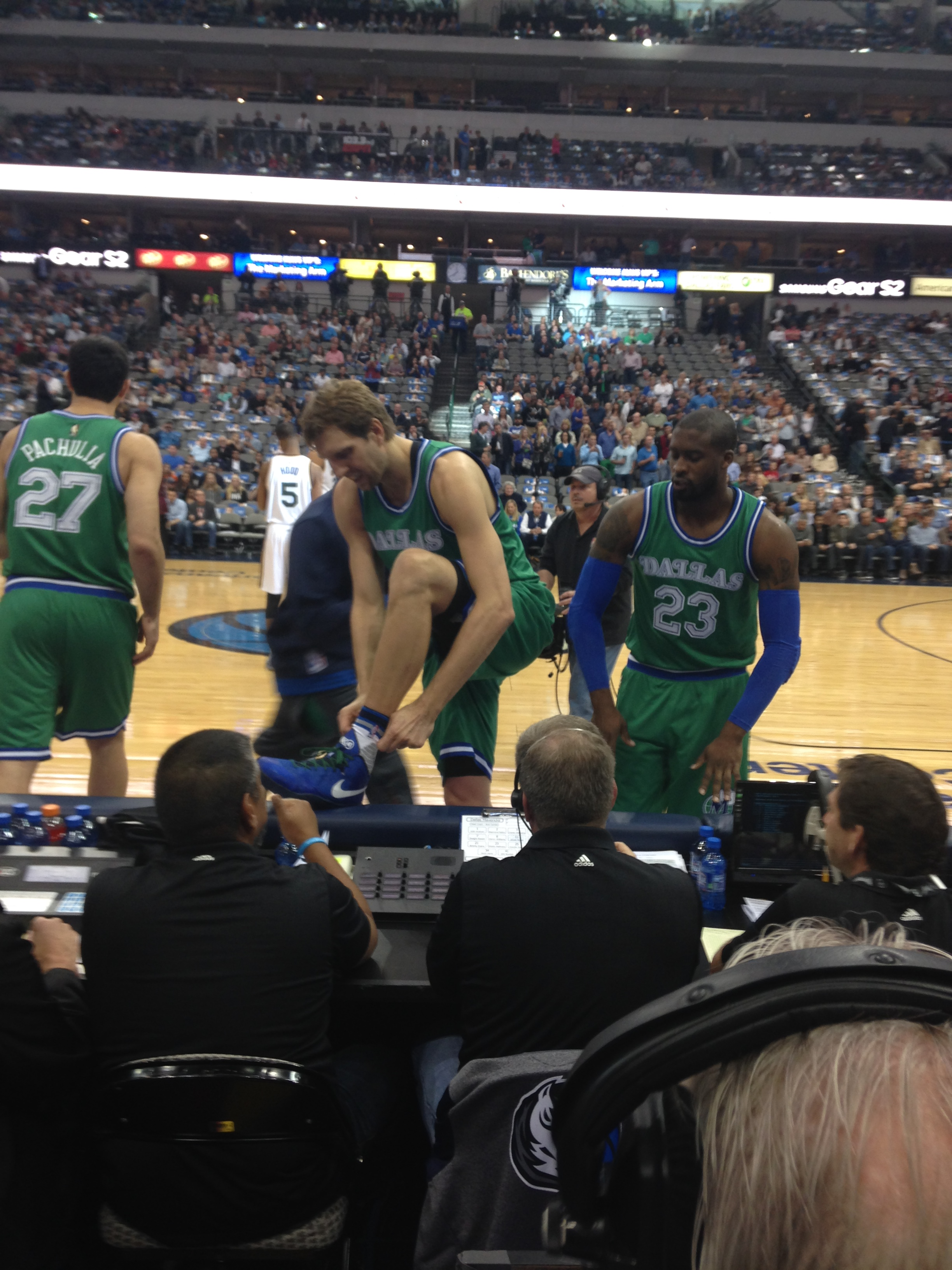 b9b54372e1c Dallas Mavericks  Check out the Mavericks  retro green Hardwood Classics  uniform  what do you think