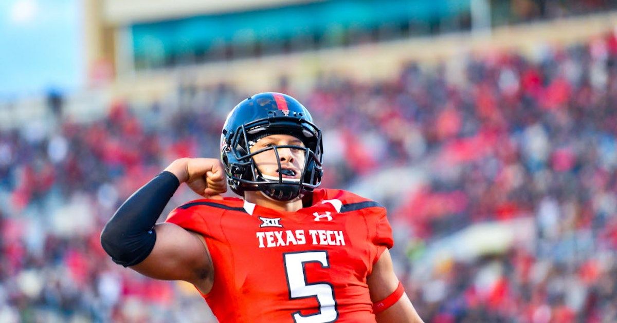 College Sports  Watch Texas Tech QB Patrick Mahomes throw a football 65  yards ... from his knees  b3fcfca09