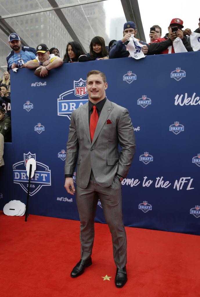 Dallas Cowboys Nfl Draft Red Carpet Photos Ezekiel Elliotts Bare Stomach Michael Irvin Adored Sportsday