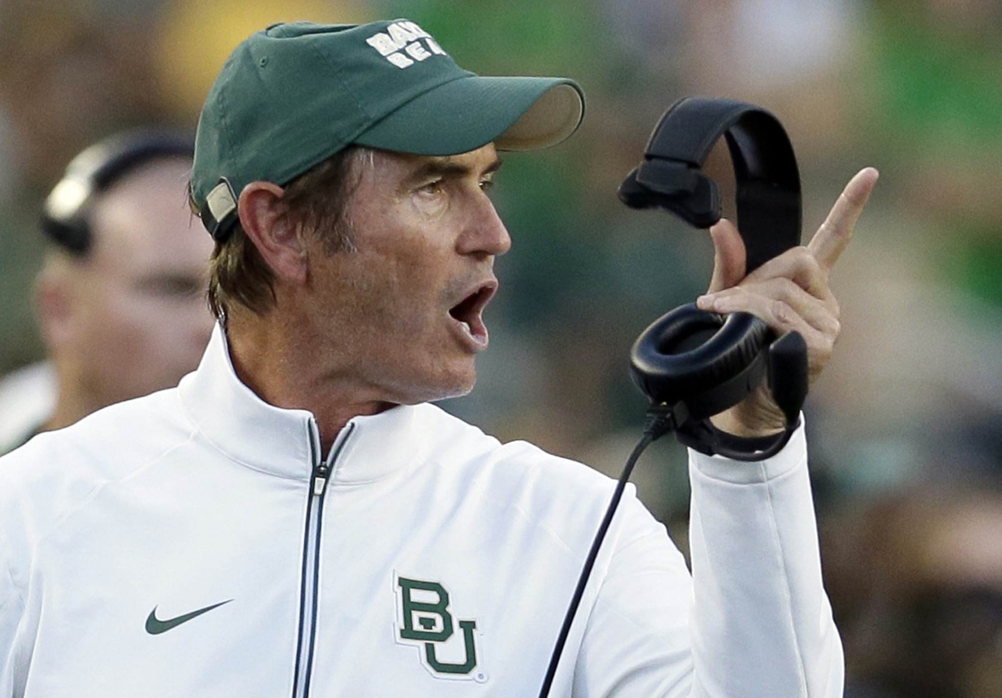 College Sports: Report: Art Briles backed out of promise to