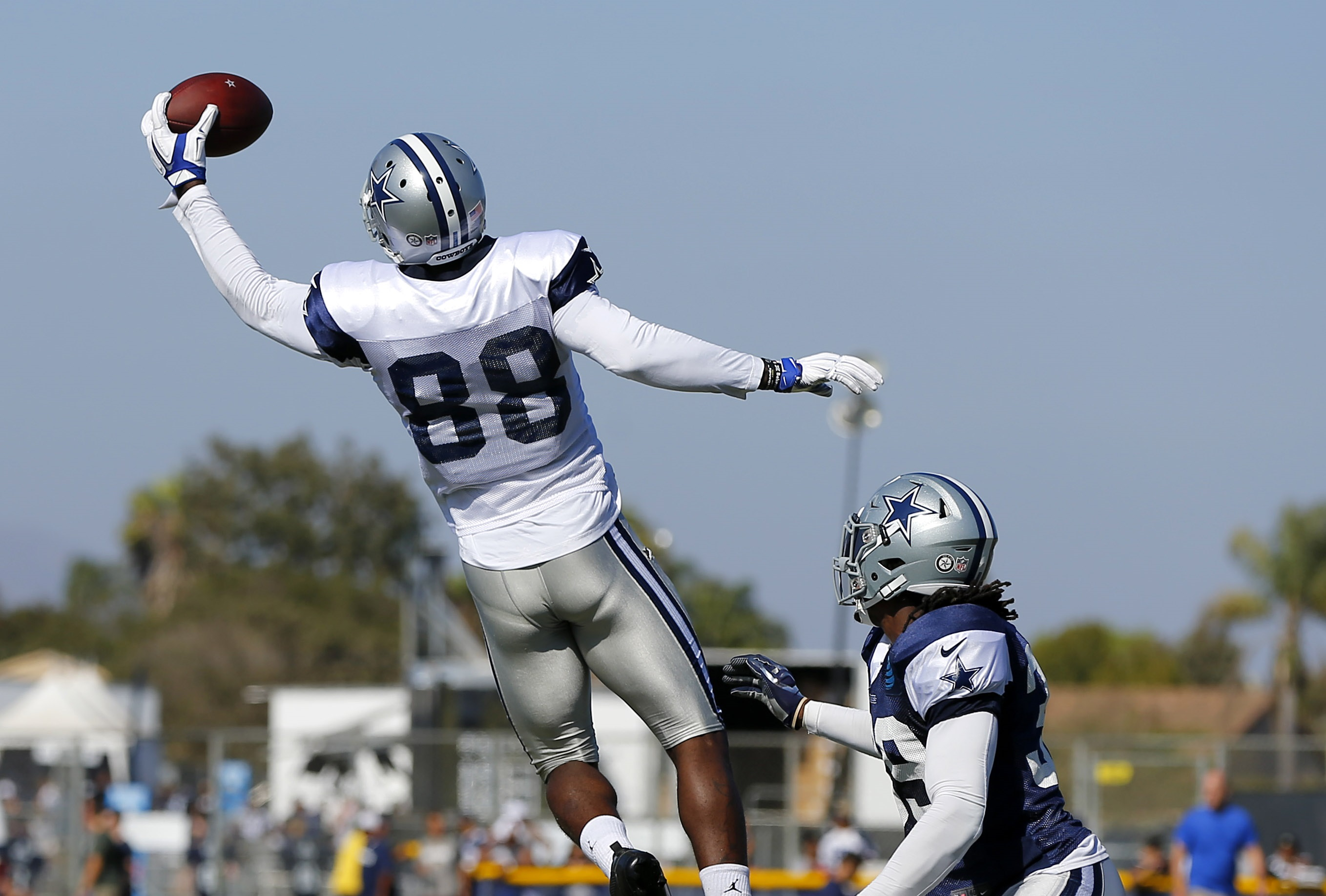 Dallas Cowboys Dez Bryant provides training camp s top highlight