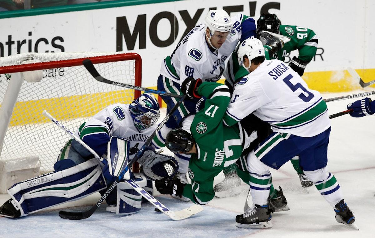 1480135296-canucks-stars-hockey