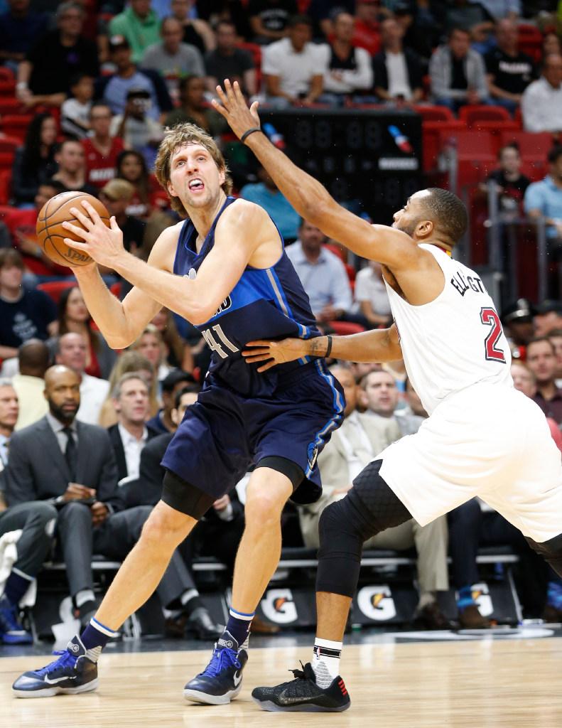 1484888229-mavericks-heat-basketball