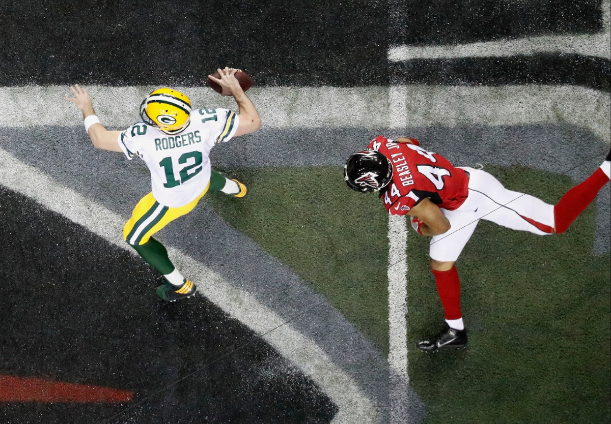 1486153292-packers-falcons-football
