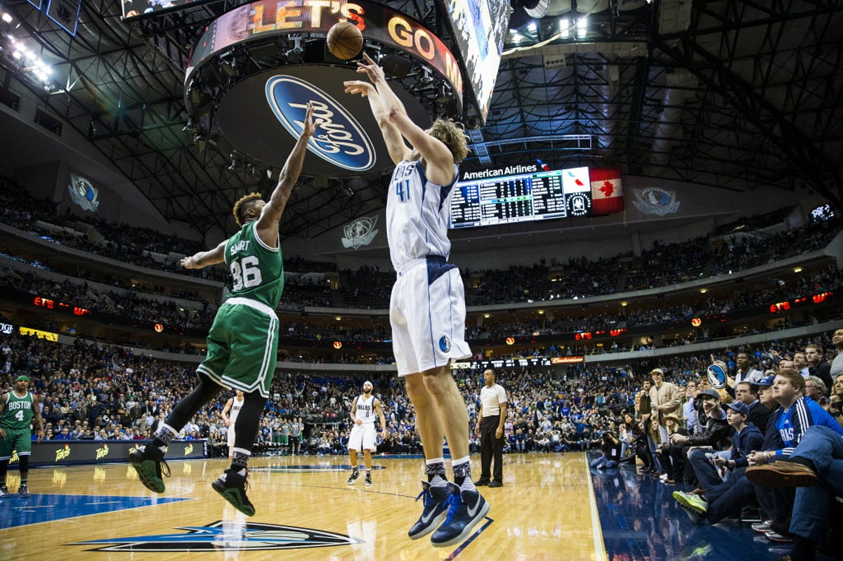 Dallas Mavericks: 18 years after his debut, Dirk Nowitzki remembers his first game (and how ...