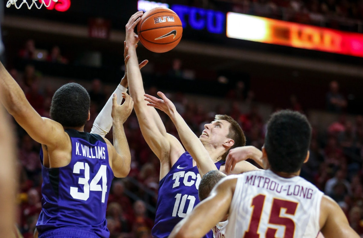 1487982293-tcu-iowa-st-basketball