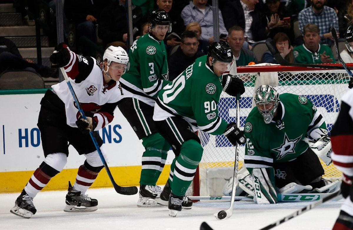 1488000977-coyotes-stars-hockey