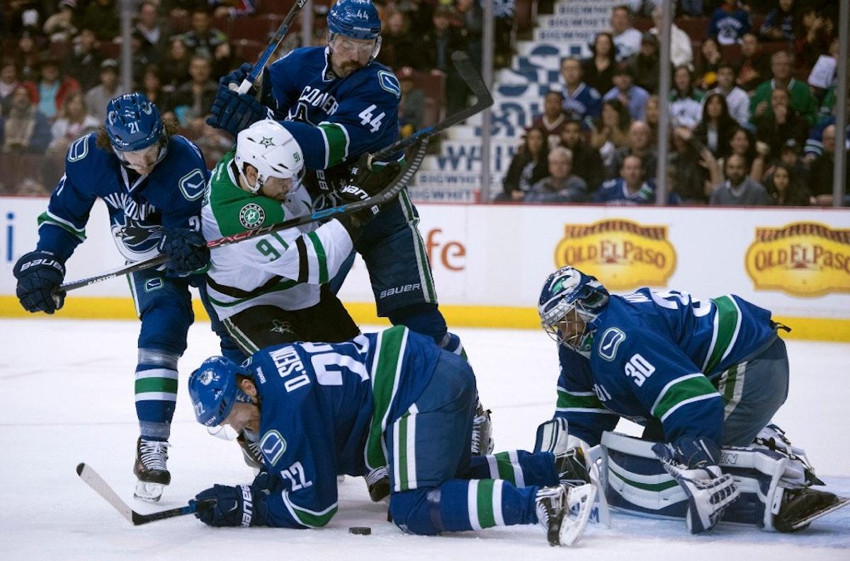 1489670448-stars-canucks-hockey
