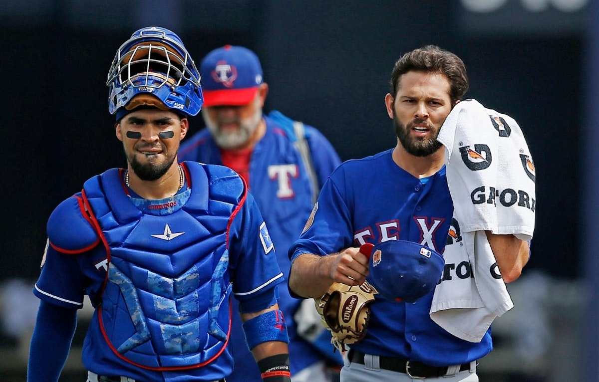 1490482718-rangers-mariners-spring-baseball
