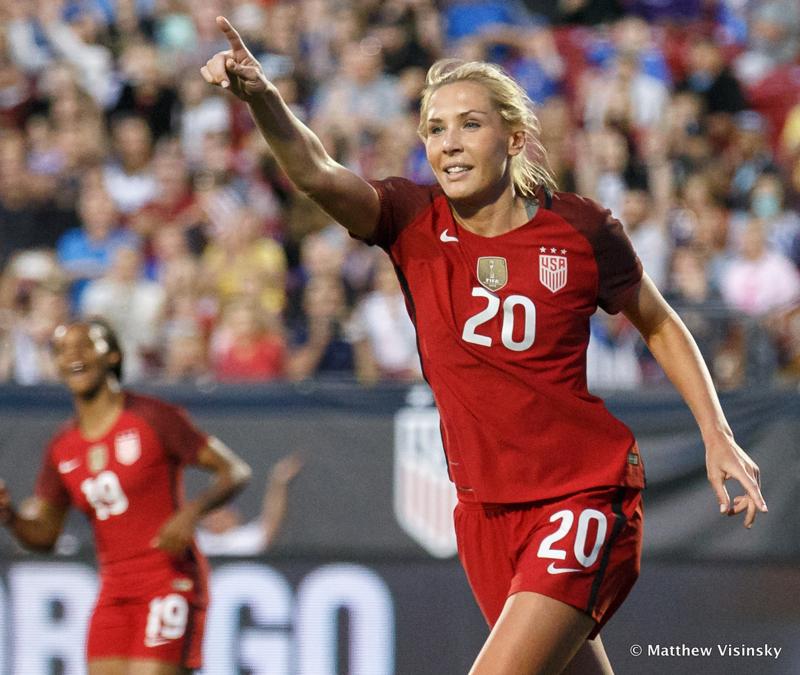 1491807333-uswnt-v-russia-4-6-17-802-003