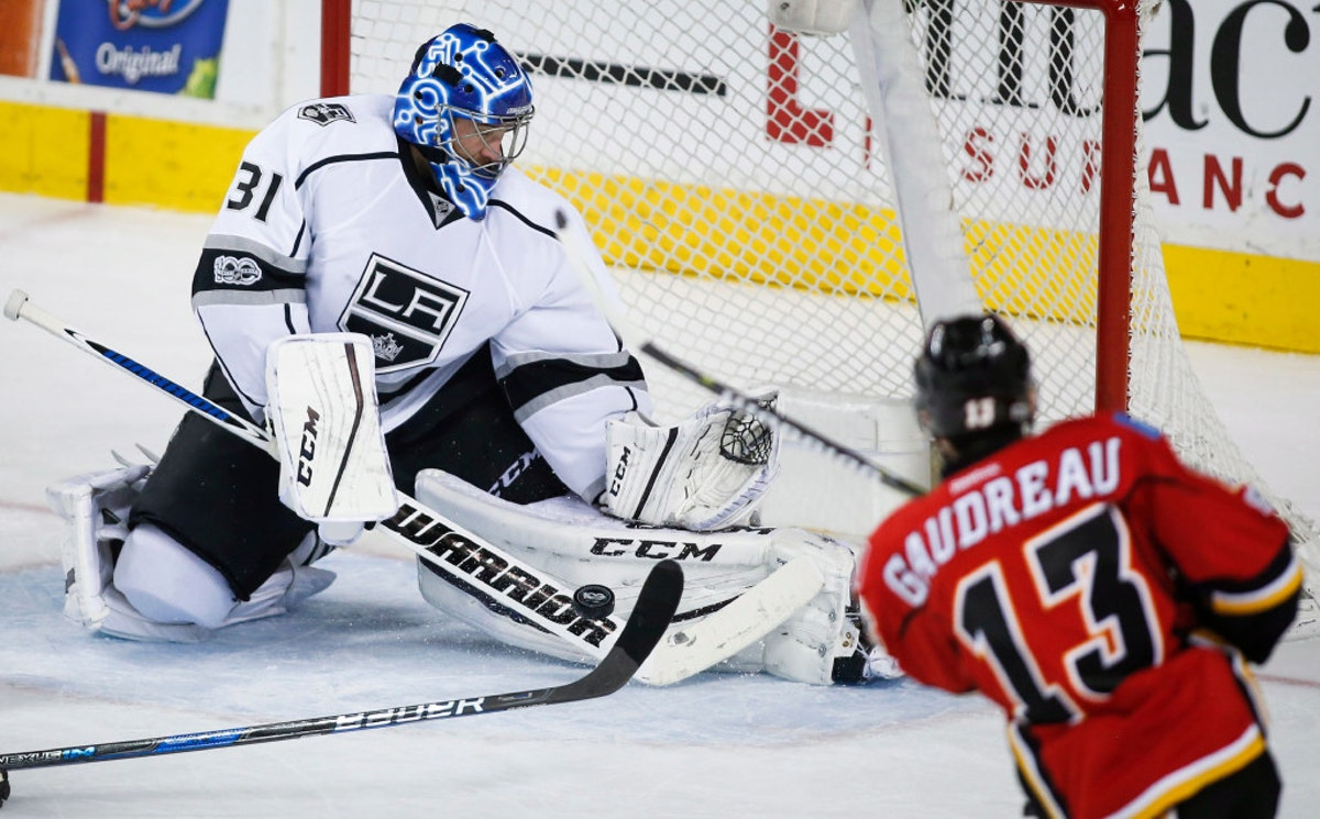 1495847737-stars-bishop-hockey