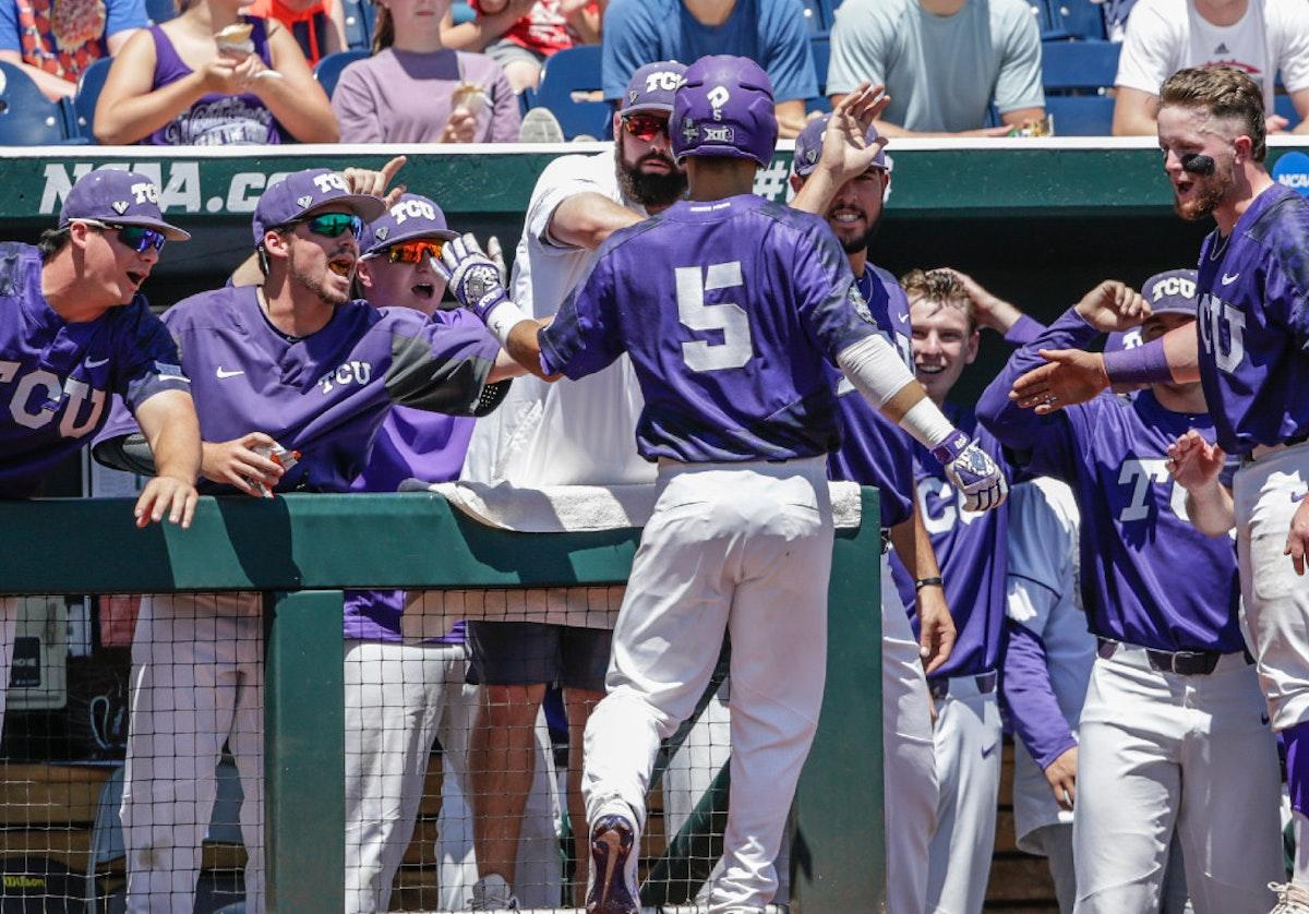 1498102013-cws-texas-am-tcu-baseball