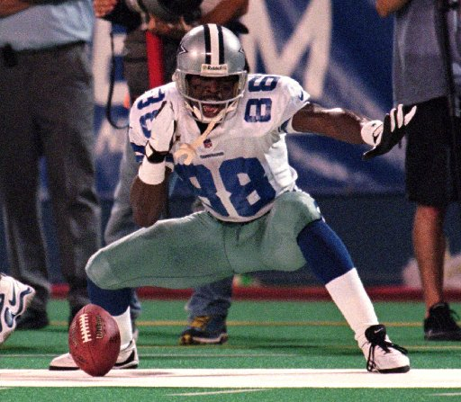 Best of Kristi Scales: When the Playmaker made a play for a fan's hot dogs; why Cowboys are the NFC East favorite