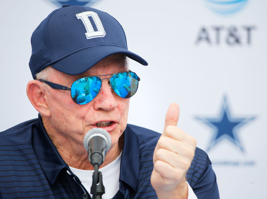 Jerry Jones, Jason Garrett express support for Ezekiel Elliott