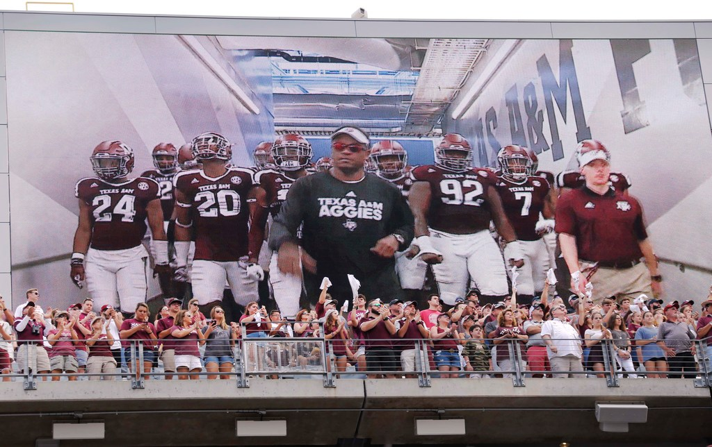 Sumlin keeps shuffling Texas A&M offensive line to find perfect lineup