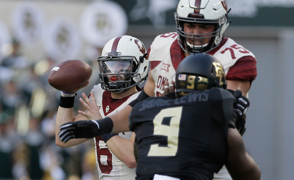 Oklahoma's Baker Mayfield joins elite club with 100th touchdown pass