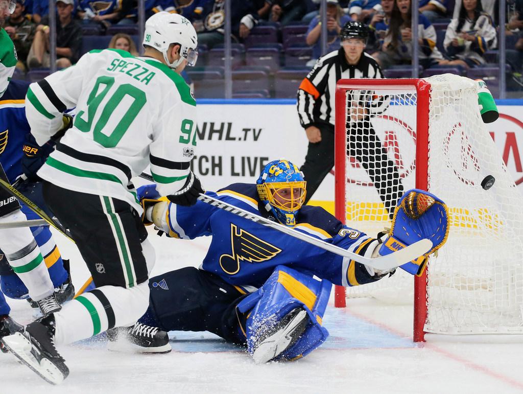 1507487989-stars-blues-hockey