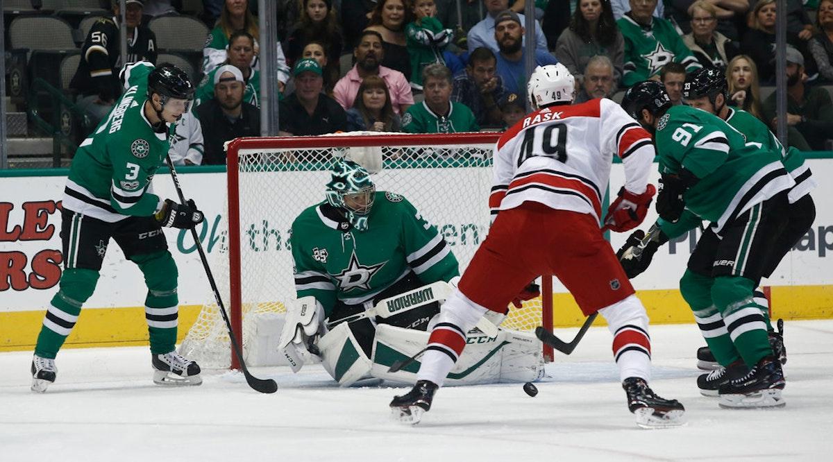 1508642655-hurricanes-stars-hockey