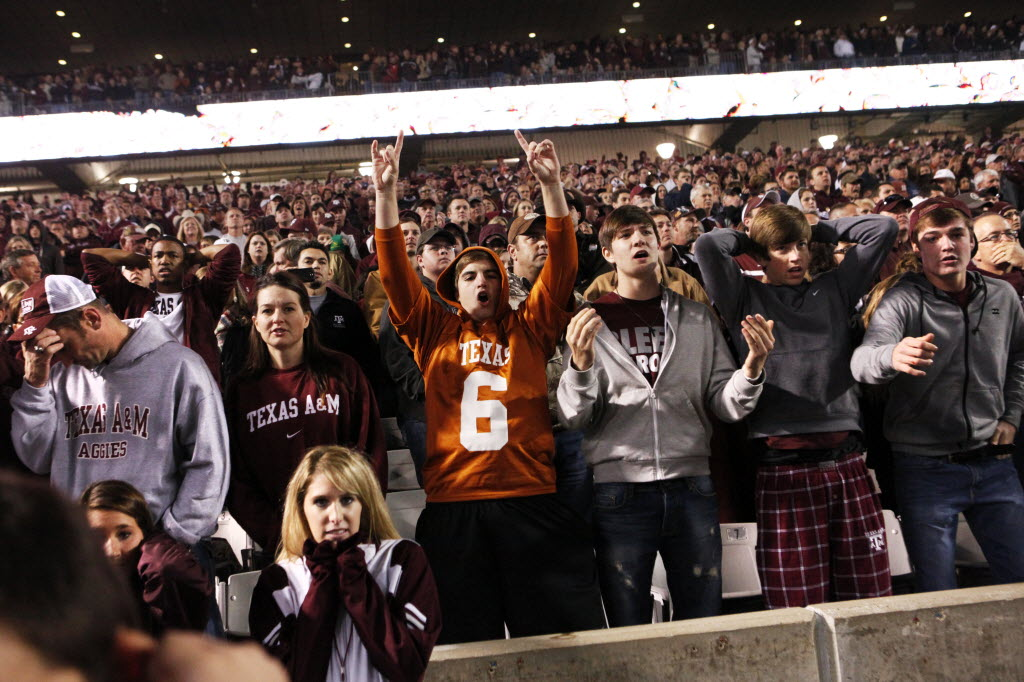Are political forces helping pave the way for a return of the Texas-Texas A&M football rivalry?