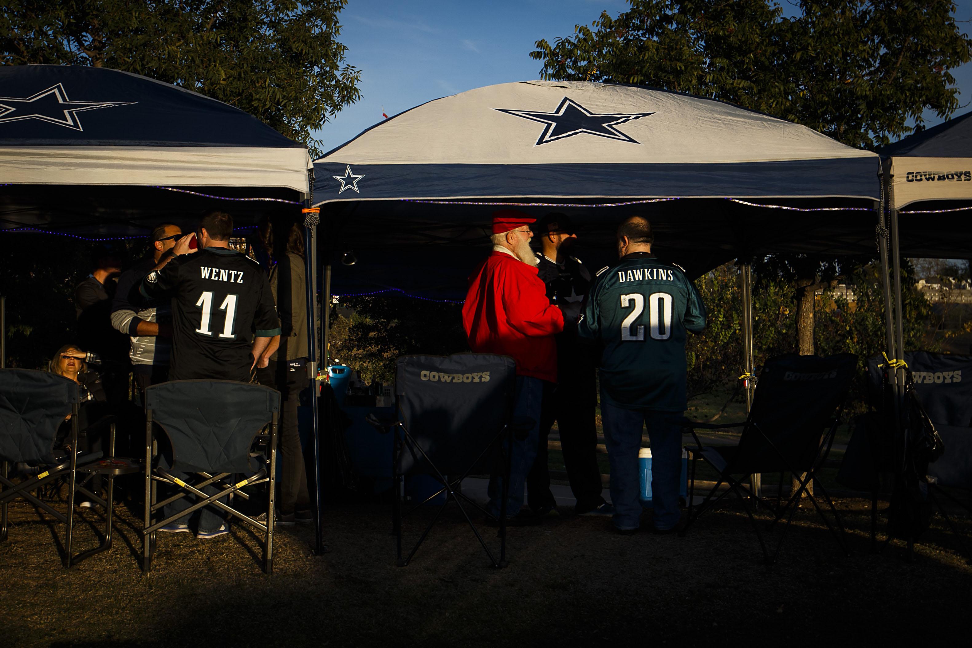 Dallas Cowboys Photos Dak Prescott honors late mom with cleats; Greg Abbott Chris Christie join Cowboys-Eagles | SportsDay & Dallas Cowboys: Photos: Dak Prescott honors late mom with cleats ...