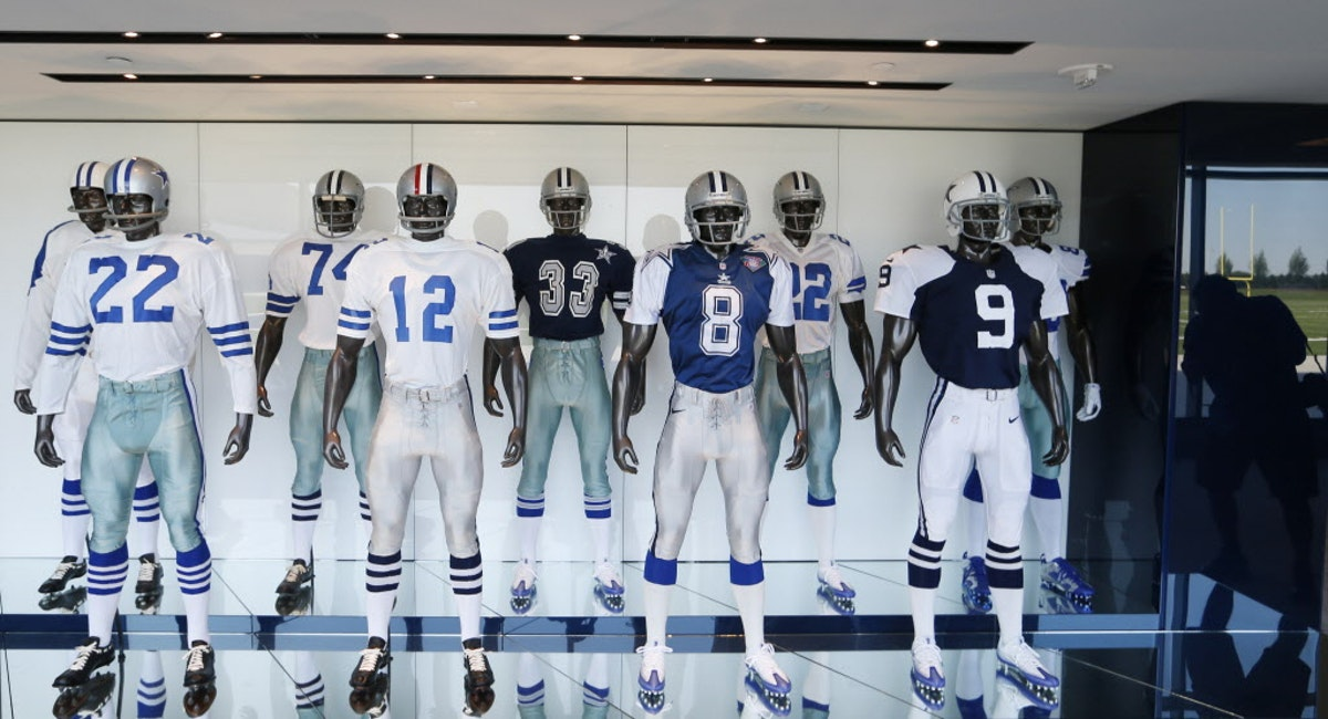 Dallas Cowboys Check Out New Uniform Combination Cowboys