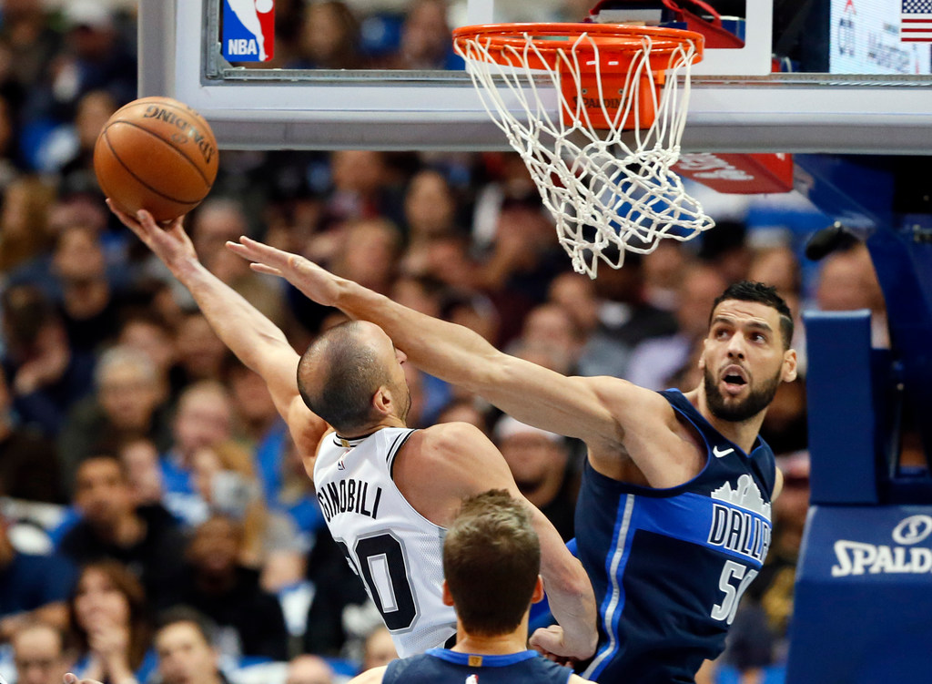 1513181605-spurs-mavericks-basketball