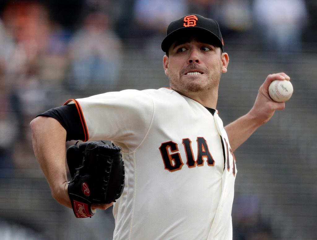 1513383986-giants-moves-baseball