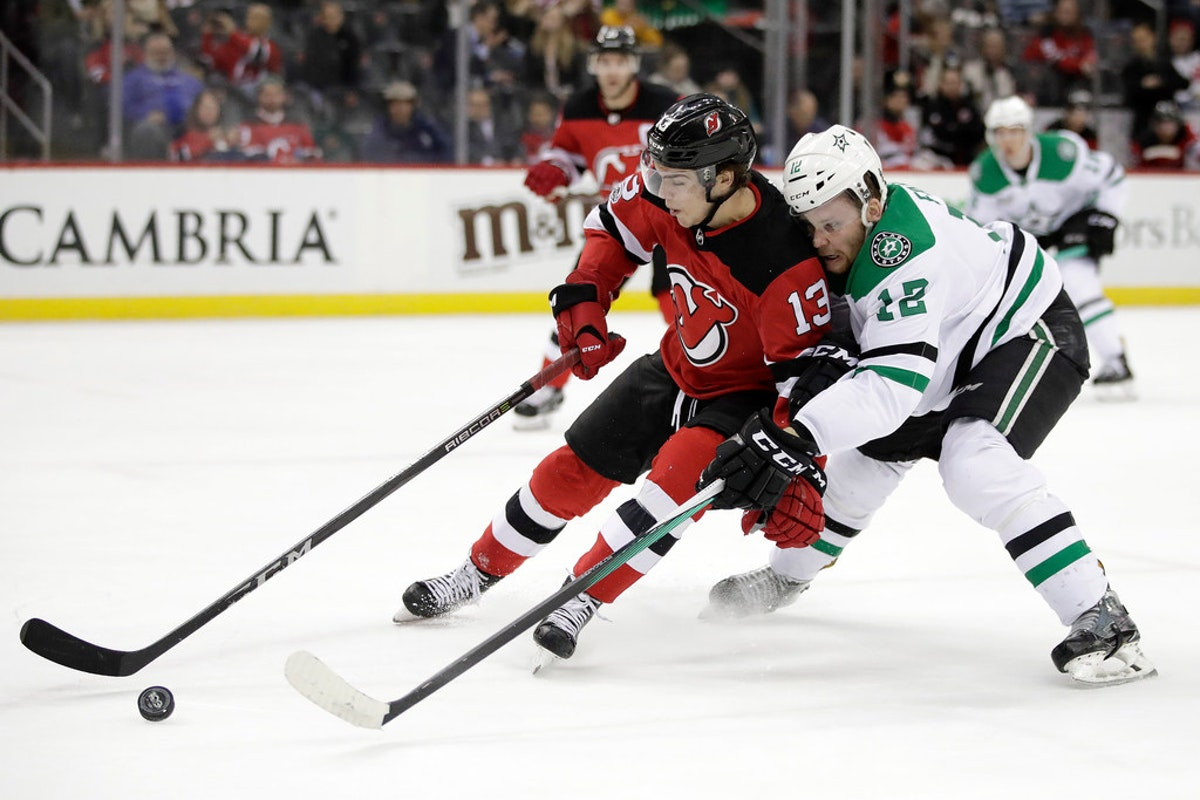 1513393305-stars-devils-hockey