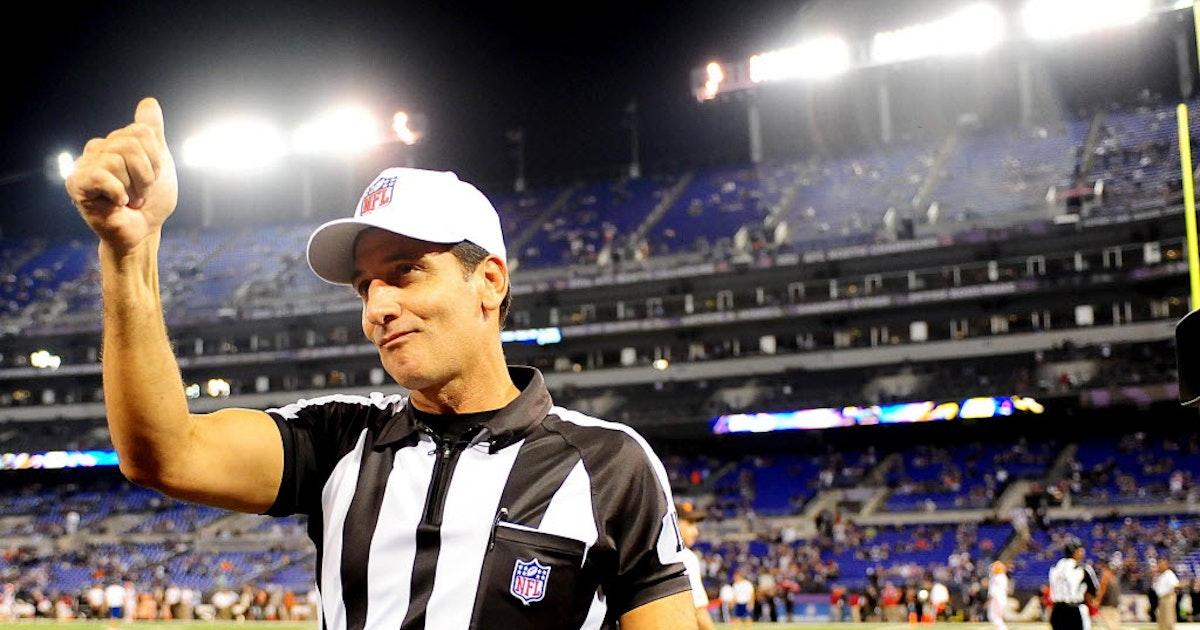 Dallas Cowboys  The referee who said Dez didn t catch it is calling  Cowboys-Raiders  f23275ec5