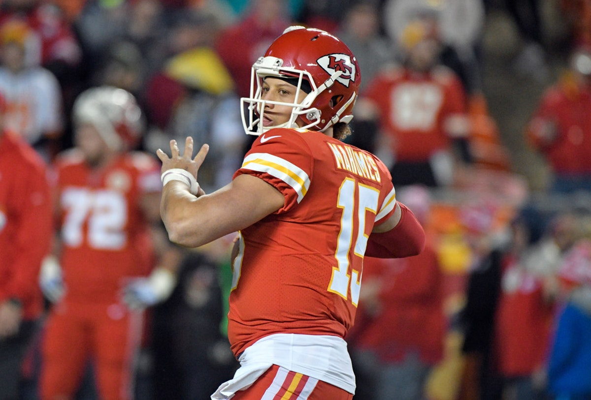 1514397709-chargers-chiefs-football