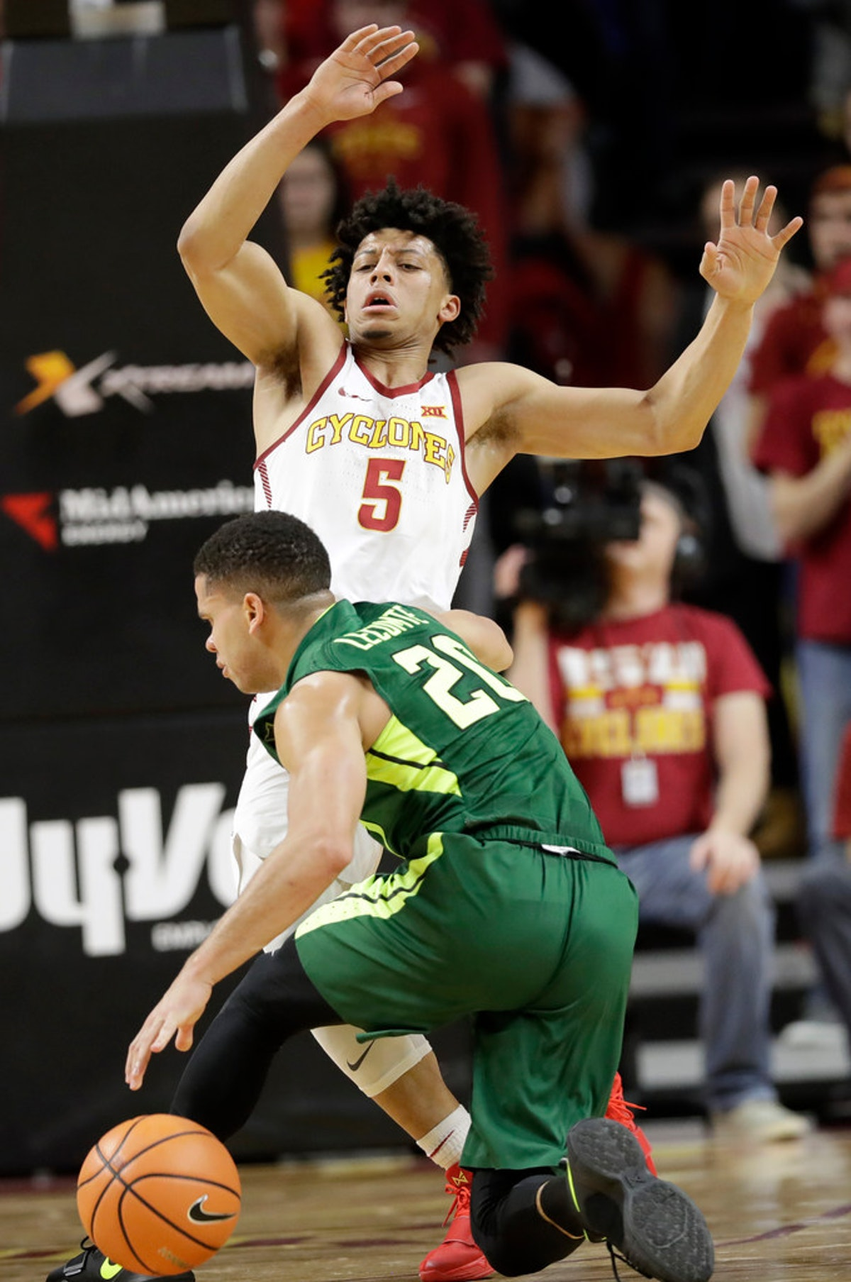 1516060329-baylor-iowa-st-basketball