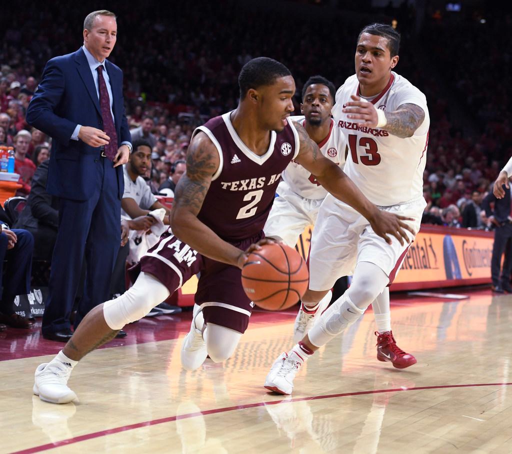 1518911115-texas-a-m-arkansas-basketball