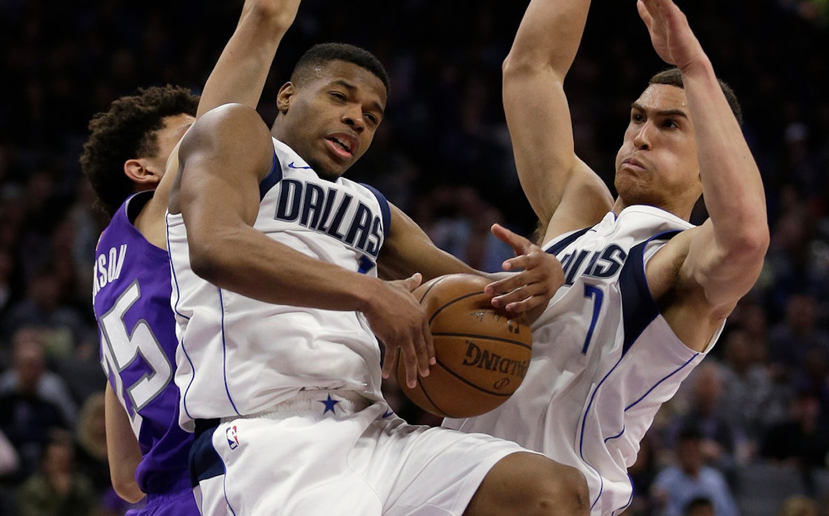 1519164162-mavericks-kings-basketball