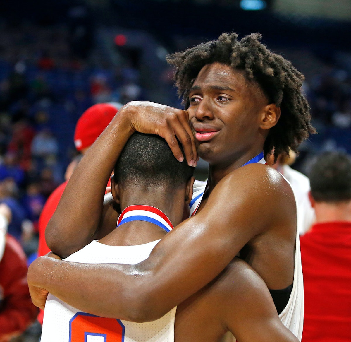 Despite Tyrese Maxey's record-tying 46 points, South ...