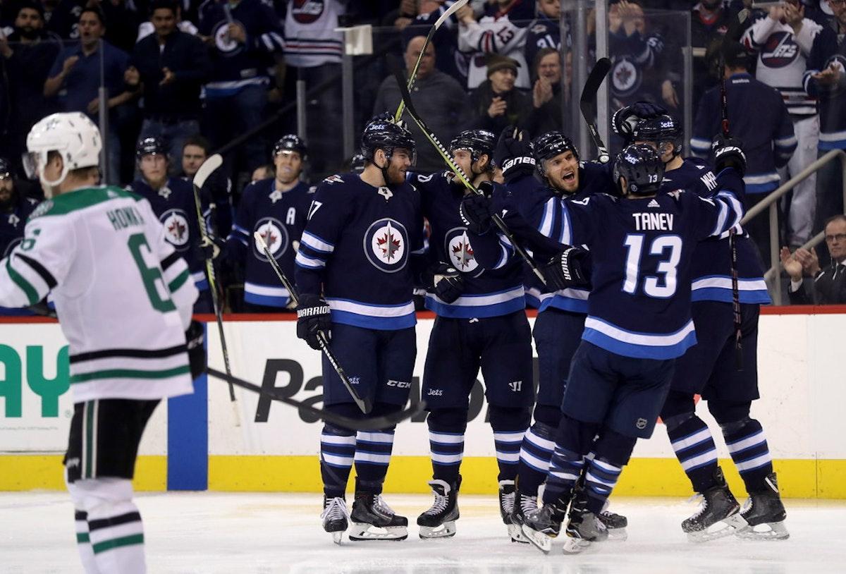 1521478024-stars-jets-hockey
