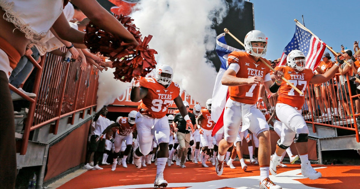 College Sports Longhorns Honor Late Frank Denius During First Practice Of Preseason Camp