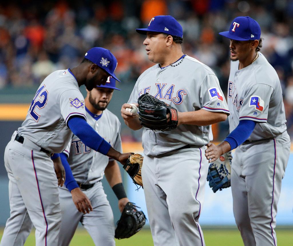 1524282382-rangers-astros-baseball