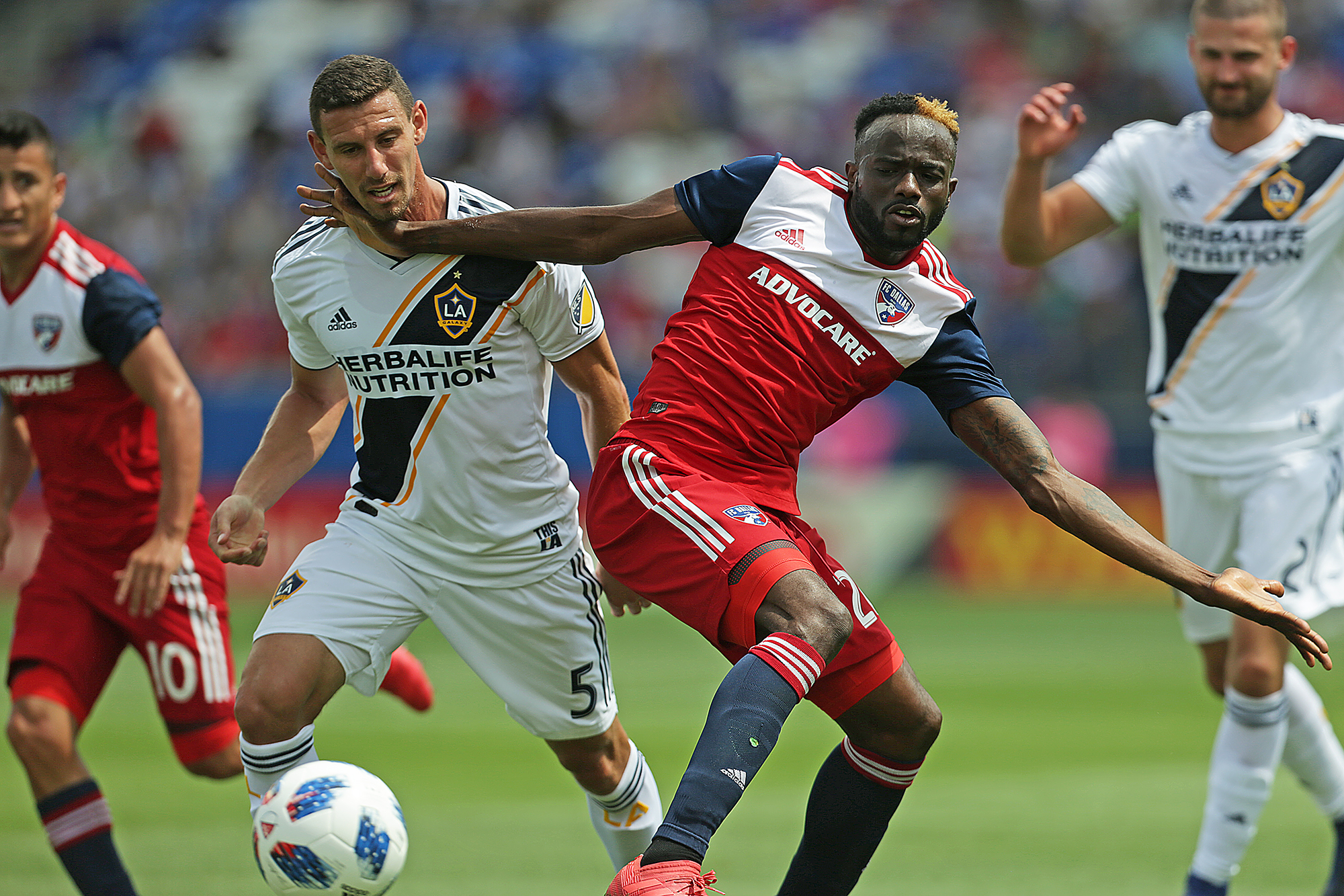 Mauro Diaz' three assists lifts FC Dallas over LA Galaxy