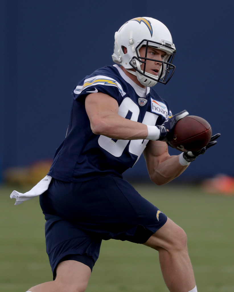 1526265565-chargers-rookie-camp-football