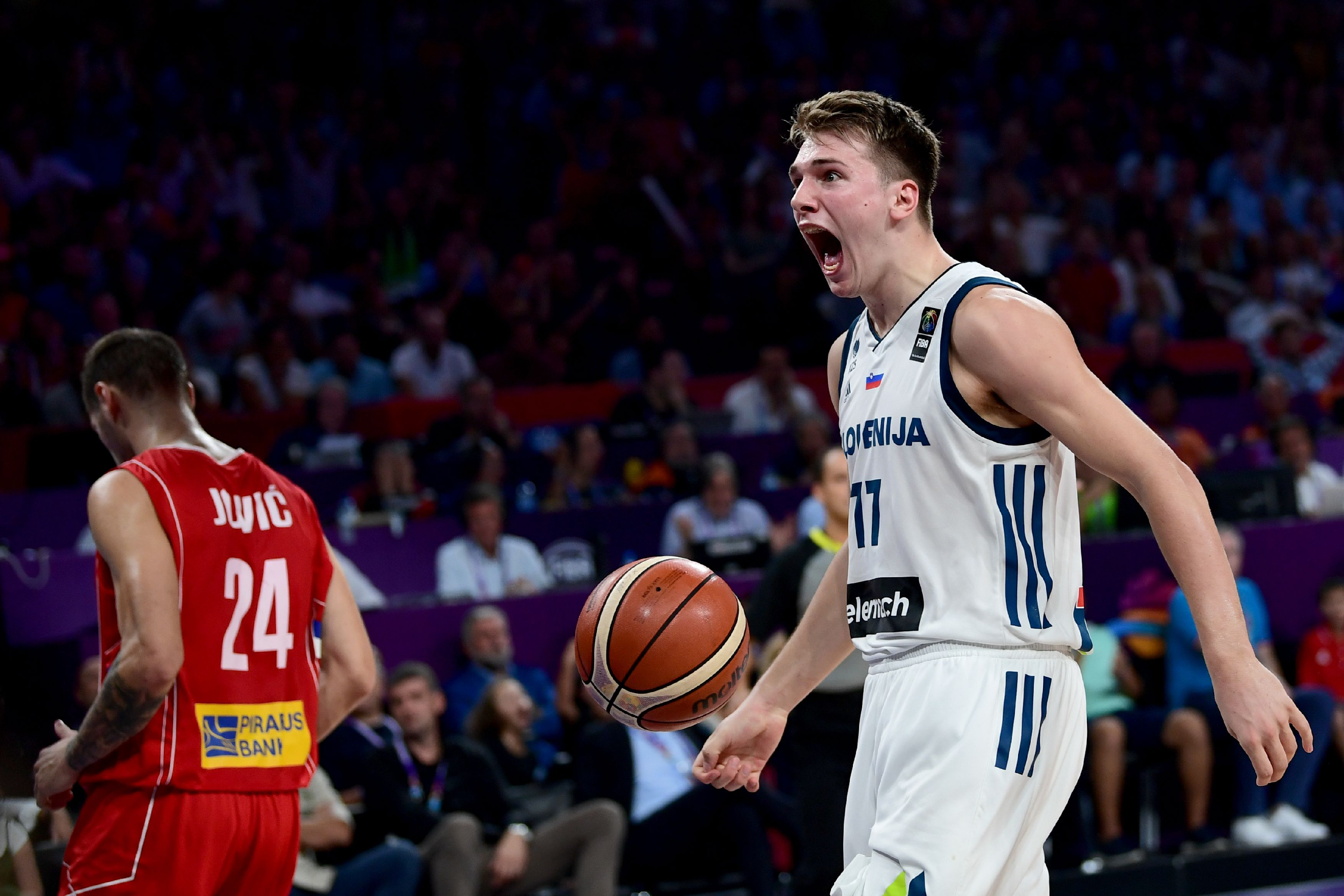 Why Luka Doncic, not Deandre Ayton, is the generational talent Mavericks need from 2018 NBA draft
