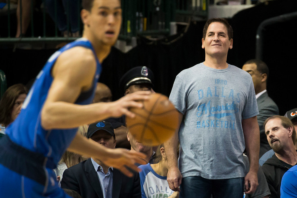 Mark Cuban: Federal regulation, league intervention could prevent sports betting from descending into chaos